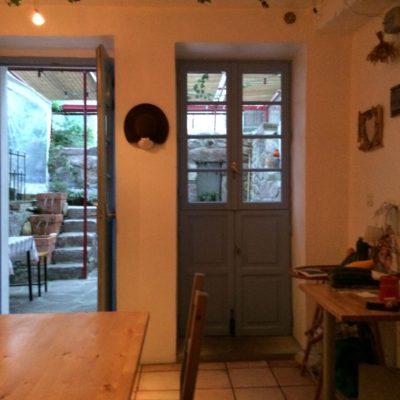 Cozinha e acesso ao Pátio.